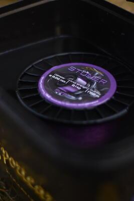 Sportcarp vlasec Stoner Fluo Purple 0,30 mm 10,2 kg 1520 m - 2